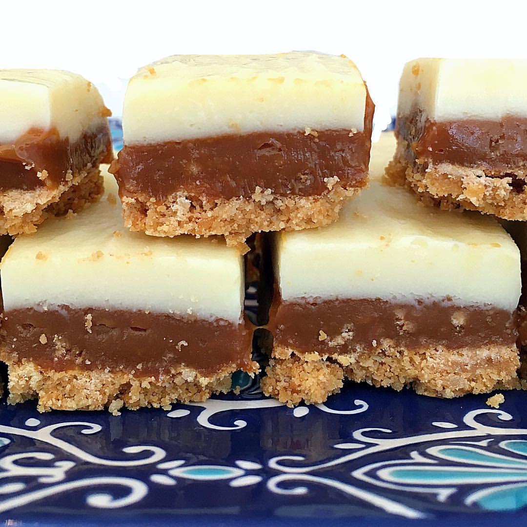 Cuadraditos con chocolate blanco